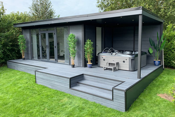 Hot Tub Garden Studio Bedford