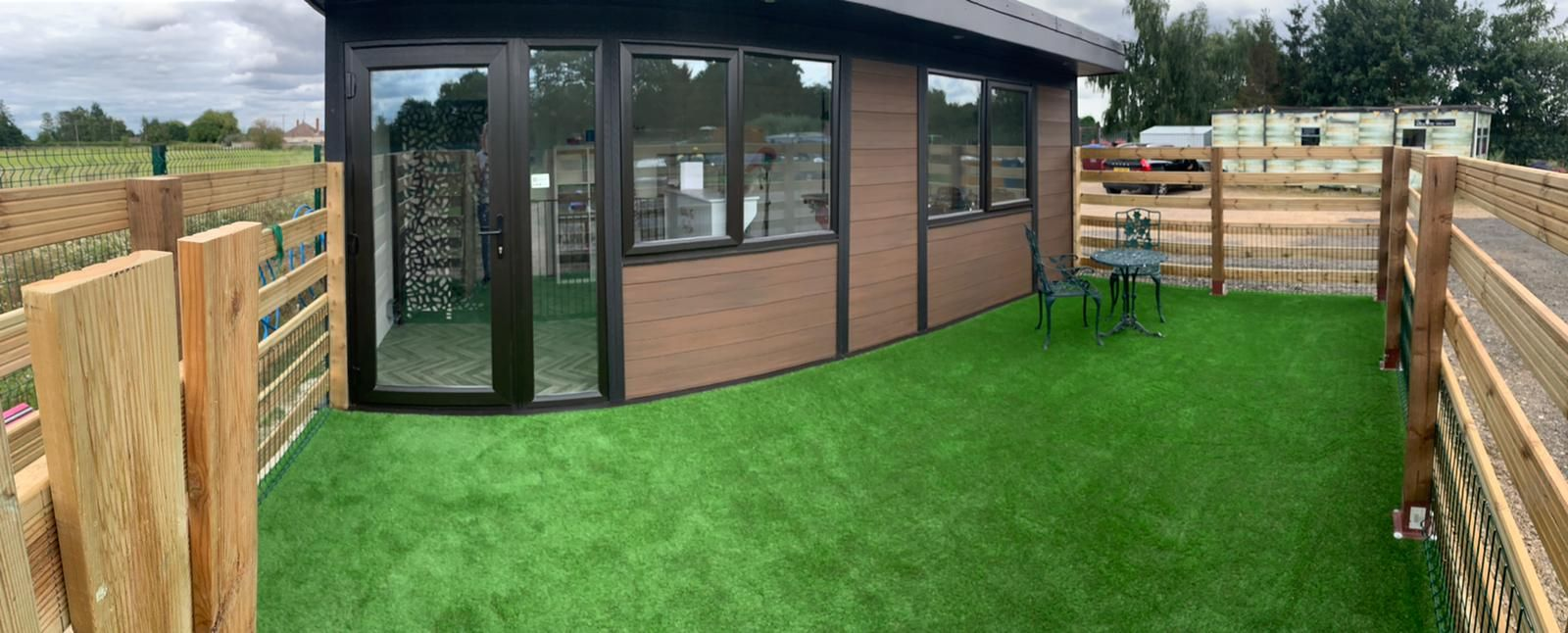 Bedford Garden Room Dog Groomer Finishing Outside Piece