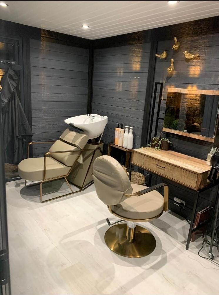 Bedford Garden Room Used As Hair Dresser)